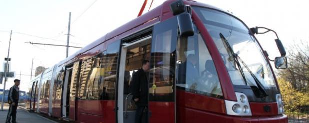 Власти обещали передать просьбу омичей о новых трамваях в «Газпром»