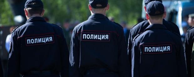 В Омске мужчина взял в заложники годовалого малыша