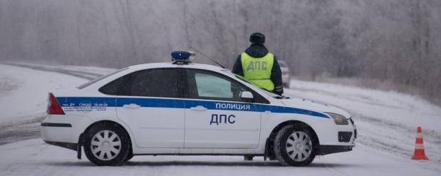 В Омске работник автомойки угнал автомобиль клиента ради девушки