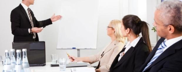 Безработные омичи смогут пройти курсы управления персоналом