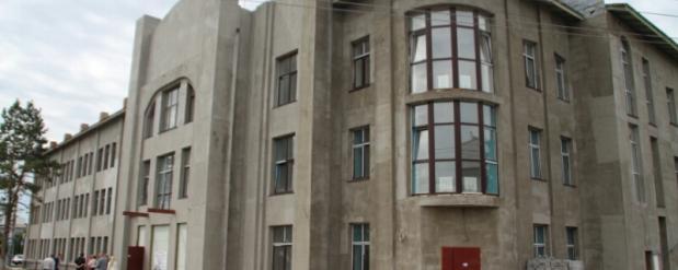 """Омский театр """"Галерка"""" обещают достроить до 1 сентября этого года"""