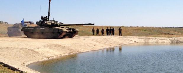 Уникальный вододром для танков проходит испытания в Омске