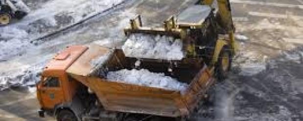 Омские дорожные службы приступили к усиленной уборке снега